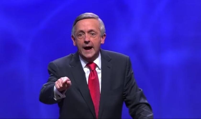 Pastor Robert Jeffress lidera a Primeira Igreja Batista de Dallas, no Texas. (Imagem: Youtube)