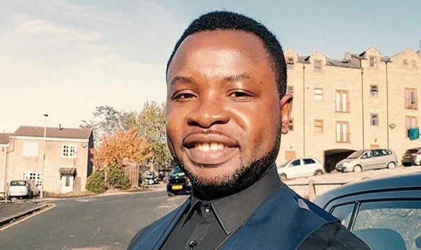 Felix Ngole é cristão e foi expulso de sua universidade após citar um versículo bíblico sobre a homossexualidade. (Foto: Facebook)