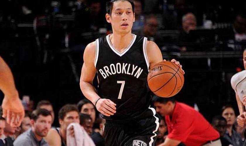 O armador Jeremy Lin, de 28 anos, atua no time de basquete Brooklyn Nets. (Foto: Reprodução/Facebook)
