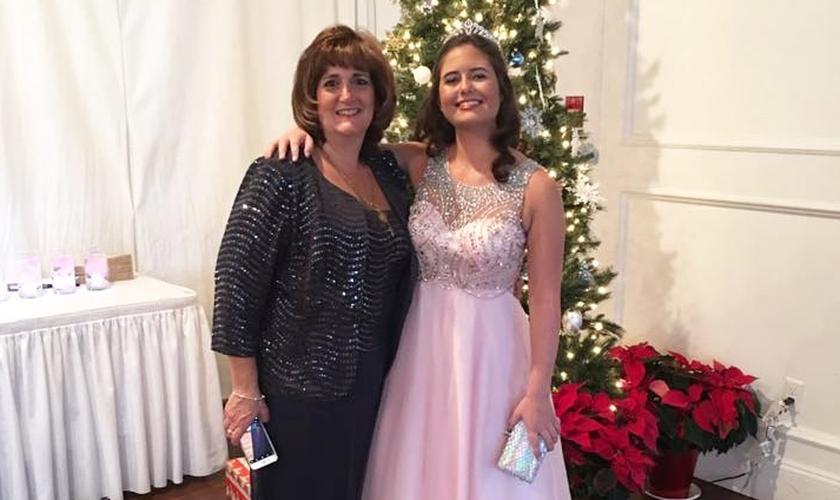 Diane escolheu sacrificar sua vida para salvar a filha, Jenna Aluska. (Foto: Reprodução/Facebook)