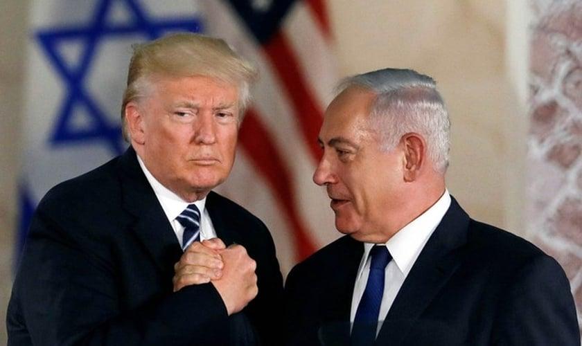 Presidente dos EUA Donald Trump e o primeiro-ministro de Israel Benjamin Netanyahu, em Jerusalém. (Foto: Ronen Zvulun/Reuters)