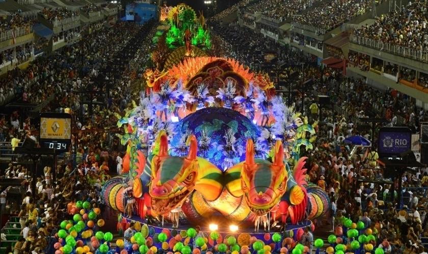 Desfile de Carnaval, no Rio de Janeiro, em 2017. (Foto: G1)