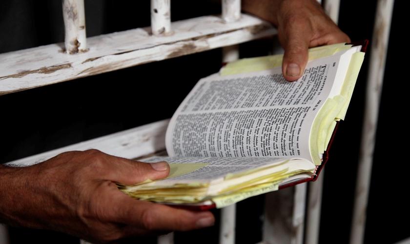 Dok* passou 13 anos preso e evangelizou detentos e policiais neste período. (Foto: backyardskeptics.com)