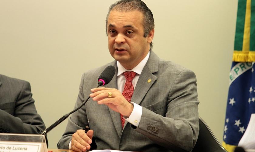 Roberto é conhecido por apoiar a luta contra a pedofilia. (Foto: Reprodução).