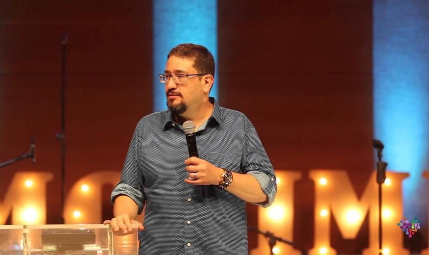 O pastor Luciano Subirá explicou sua posição sobre a ideologia de gênero. (Foto: Reprodução).