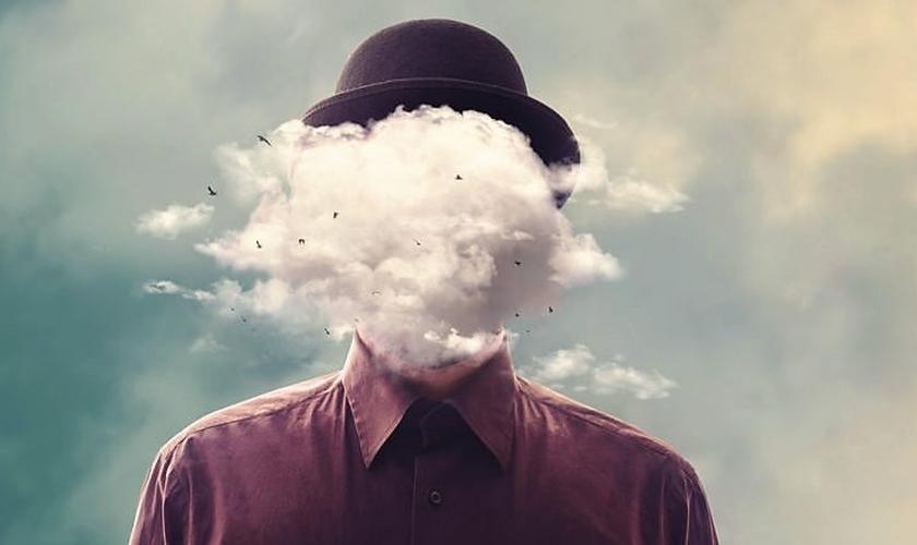 Com a cabeça nas nuvens. (Foto: oiludidosonhador.com)