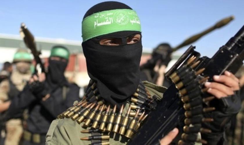 Terrorista do Hamas. (Foto: yenisafak.com)