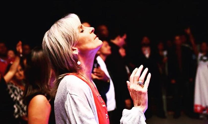 A cantora Ludmila Ferber está lutando contra o câncer. (Foto: Reprodução).