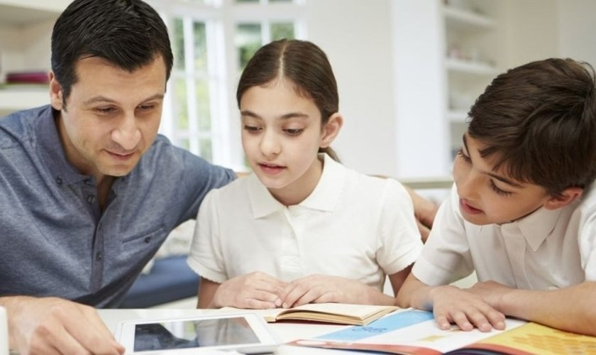 Homeschooling já é um método usado por milhares de famílias no Brasil. (Foto: Getty Images)