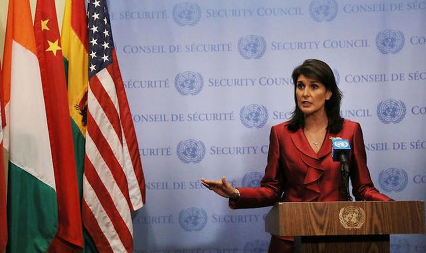 Nikki Haley em discurso na Casa Branca após renunciar o cargo de embaixadora dos EUA na ONU. (Foto: Cable News Network)