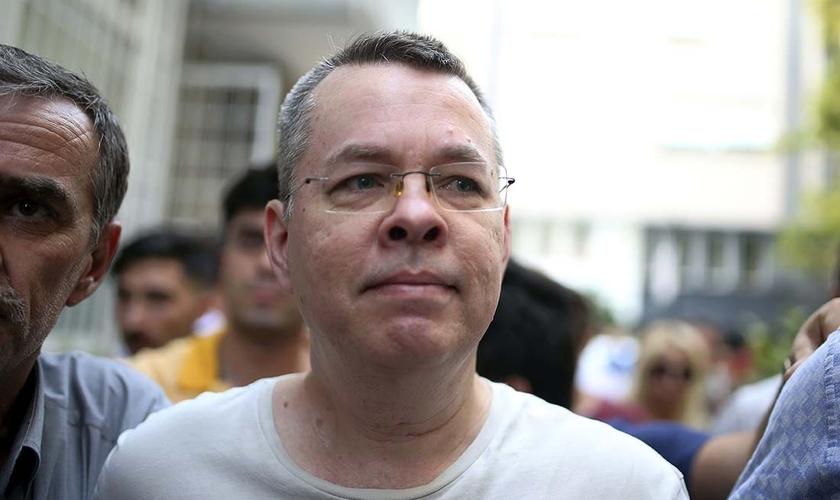 """Andrew Brunson é um pastor norte-americano, que permaneceu cerca de 2 anos meio preso na Turquia, acusado injustamente de """"terrorismo"""". (Foto: Reuters)"""