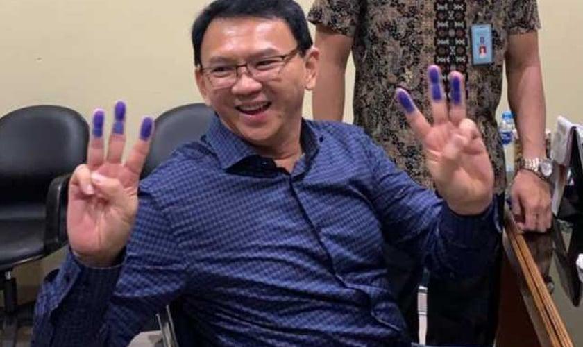 Ex-governador cristão Basuki Tjahaya Purnama sai da prisão na Indonésia. (Foto: Reprodução/Twitter)