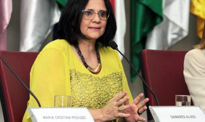 Ministra Damares Alves em audiência na Comissão de Direitos Humanos e Minorias da Câmara. (Foto: Willian Meira/MDH)