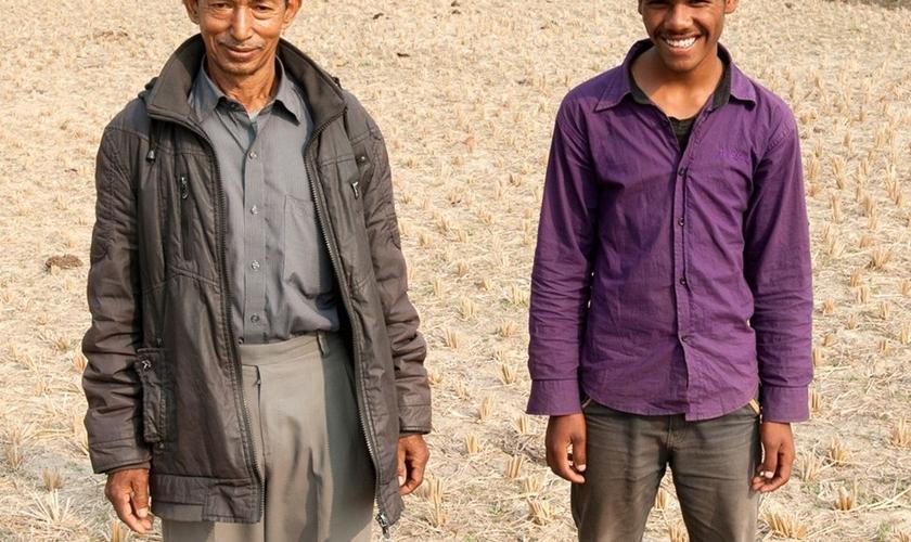 Homens se livraram de um acidente que poderia ser mortal através da oração. (Foto: Gospel For Asia)
