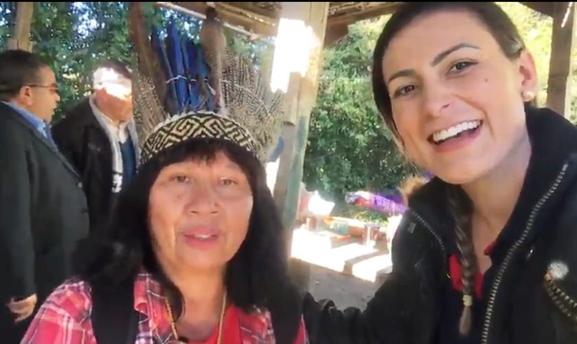 Andressa Urach visitou uma tribo indígena para levar cestas básicas e a mensagem do Evangelho. (Foto: Reprodução/Instagram)
