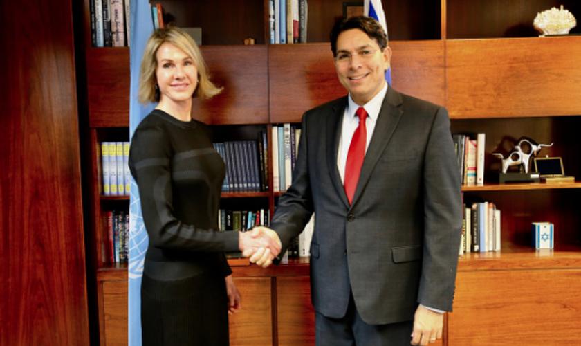 A embaixadora dos EUA na ONU, Kelly Craft, e o embaixador de Israel na ONU, Danny Danon. (Foto: Reprodução/Twitter)
