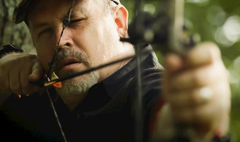 "Cena do documentário ""The Rage of Evil: Thoughts from a Former School Shooter"", que conta a história de James Stevens. (Foto: Carolyn McCulley/Citygate Films)"