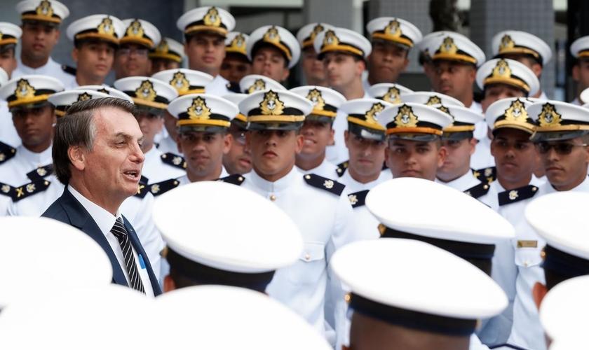 Jair Bolsonaro durante cerimônia de formatura de oficiais da Marinha do Brasil. (Foto: Alan dos Santos/PR)