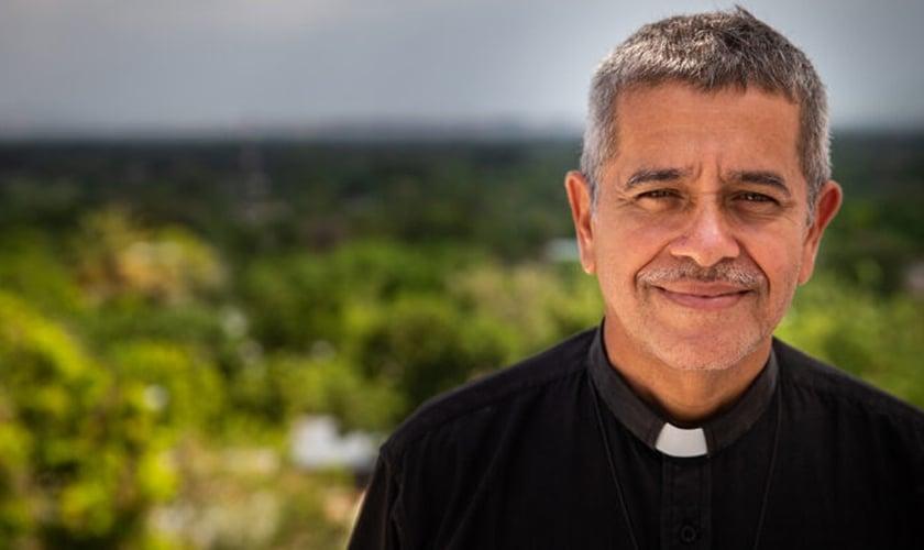 Rev. Luis Gregório Coronado foi pastor da Igreja Luterana Fuente de Vida na Venezuela por mais de 20 anos. (Foto: LCMS/Johanna Heidorn)