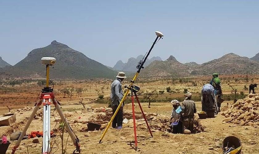 Em um sítio arqueológico na Etiópia, os pesquisadores descobriram a mais antiga igreja cristã da África subsaariana. (Foto: Reprodução/Ioana Dumitru)