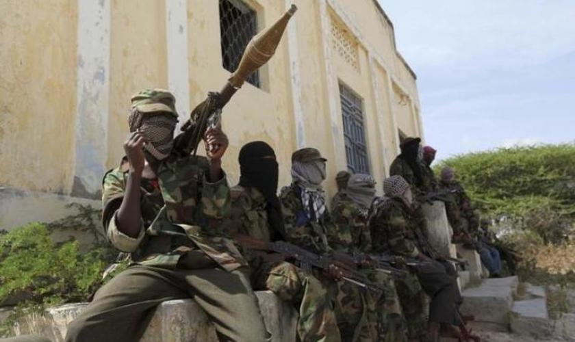 Grupo terrorista somali Al-Shabaab tem realizado diversos ataques no Quênia. (Foto: Reuters/Feisal Omar)