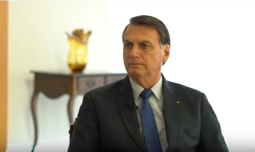 Jair Bolsonaro concedeu entrevista ao Pastor Silas Malafaia e falou sobre a transferência da embaixada brasileira em Israel para Jerusalém. (Foto: Youtube / Reprodução)