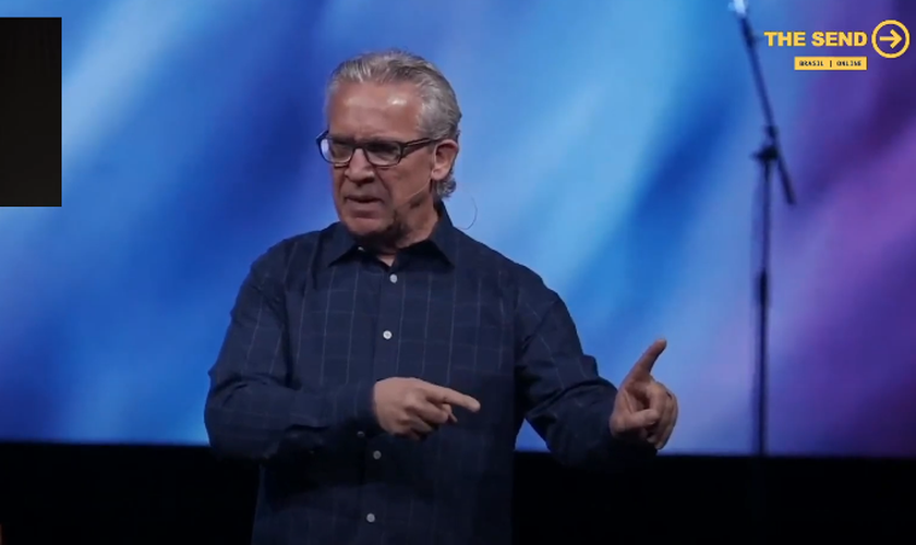 Pastor Bill Johnson em mensagem transmitida no The Send Brasil online. (Foto: Reprodução/YouTube)