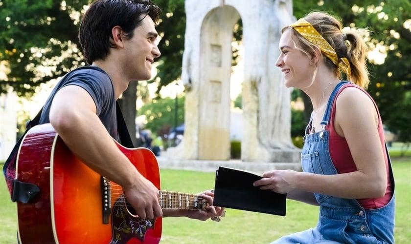 """Cena do filme """"I Still Believe"""", que conta a história de amor entre Jeremy Camp e sua primeira esposa, Mellisa, que morreu de câncer, após cerca de uma de casada com o cantor. (Foto: Divulgação)"""