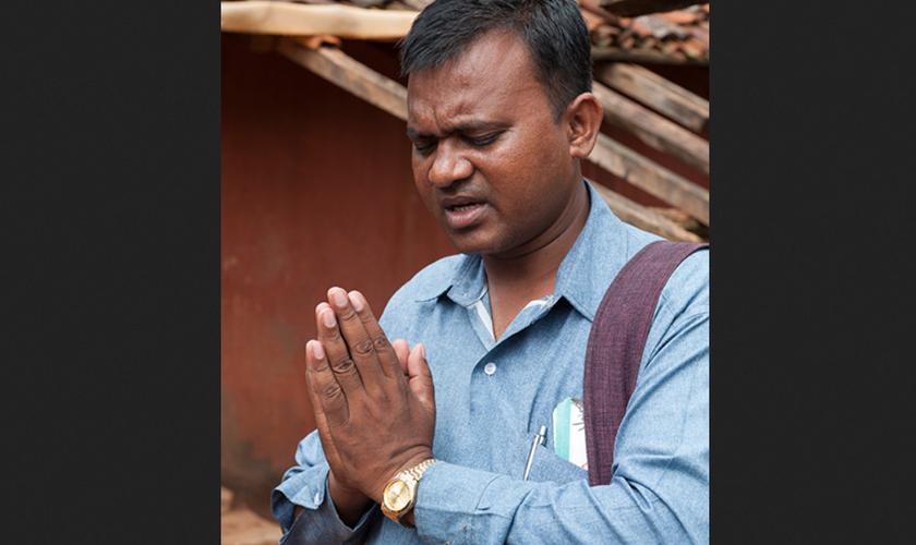 Roshan tornou-se pastor e dedicou sua vida para a servir a Deus. (Foto: Reprodução/GFA)