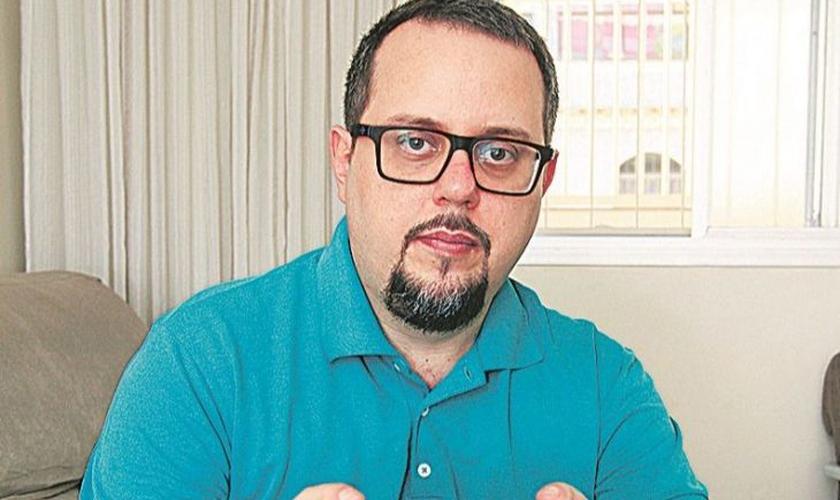 O médico Felipe Cardoso teve pulmão comprometido, mas se recuperou e voltou a trabalhar. (Foto: Dayana Souza/ AT)