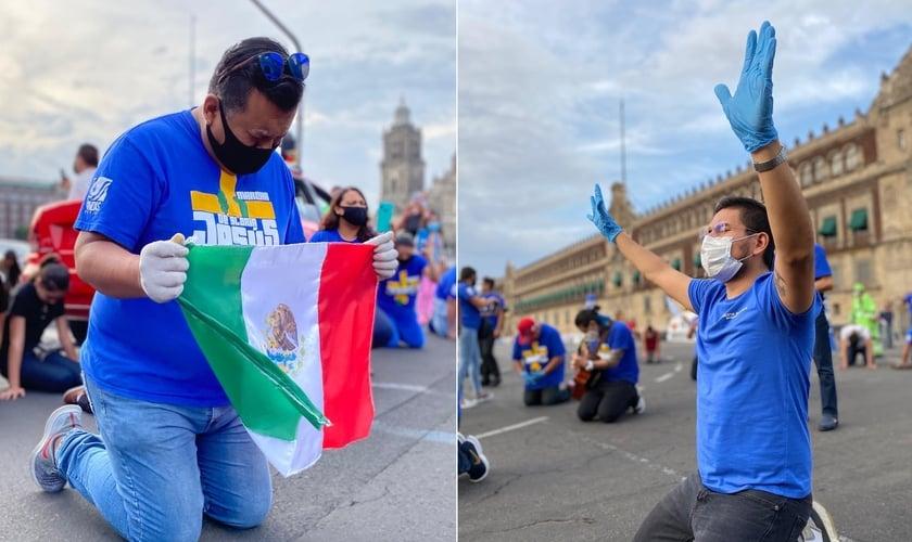 Cristãos em oração nas ruas do centro da Cidade do México, capital do país. (Foto: Marcha de Gloria)