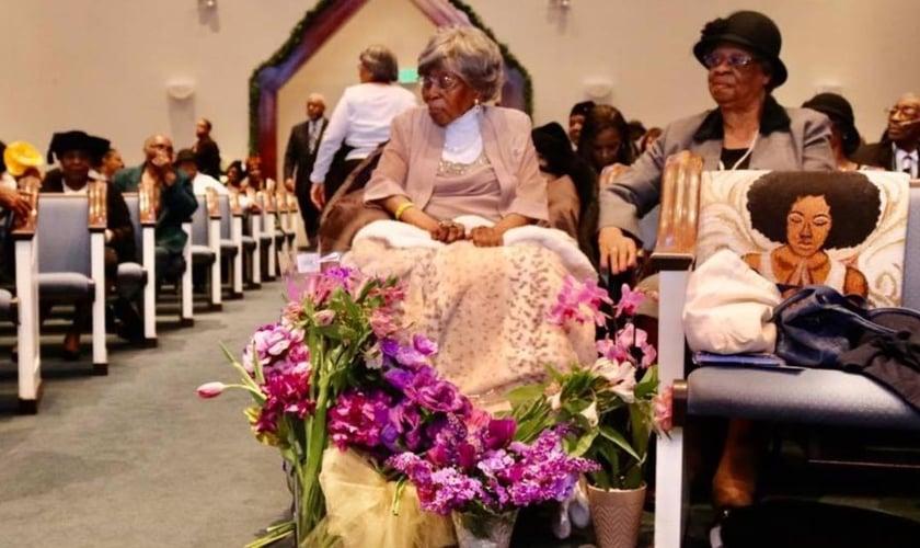 Hester Ford durante culto na Igreja Batista em Charlotte, nos EUA. (Foto: Macedonia Baptist Church of Charlotte)