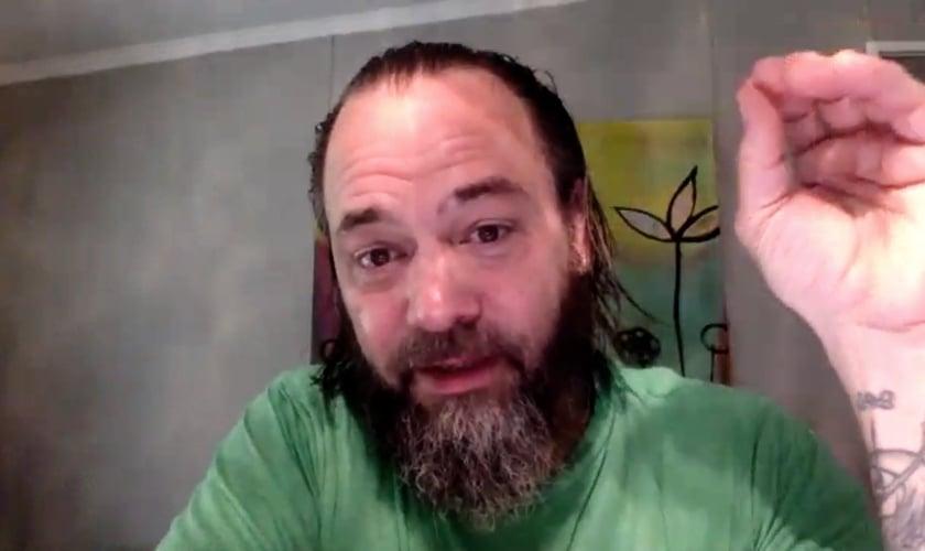 Jason Lee Jones durante entrevista ao Guiame por videochamada. (Foto: Guiame)