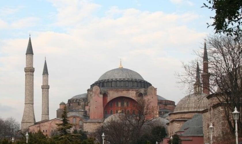 Hagia Sophia, uma igreja em Istambul, foi transformada em mesquita pelo governo turco.