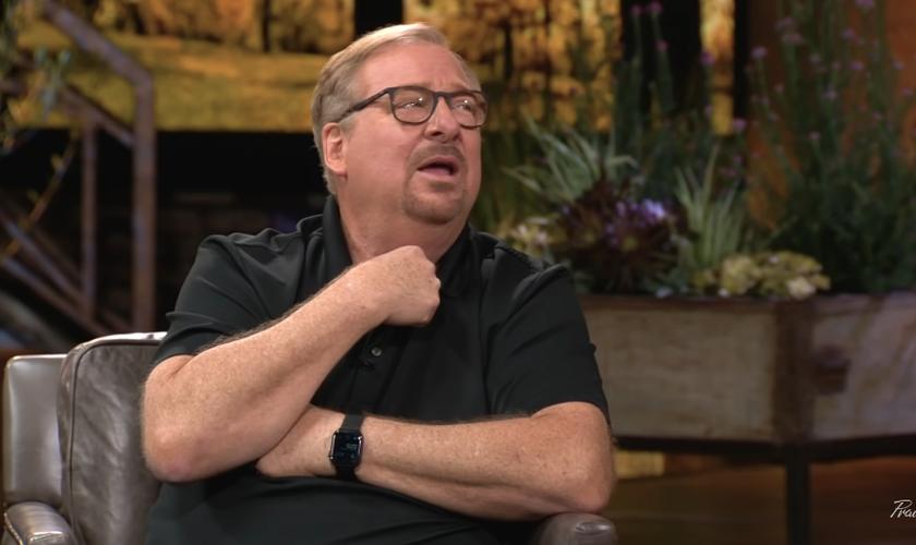 O pastor Rick Warren relembrou como lidou com o suicídio de seu filho. (Foto: YouTube/Praise on TBN)