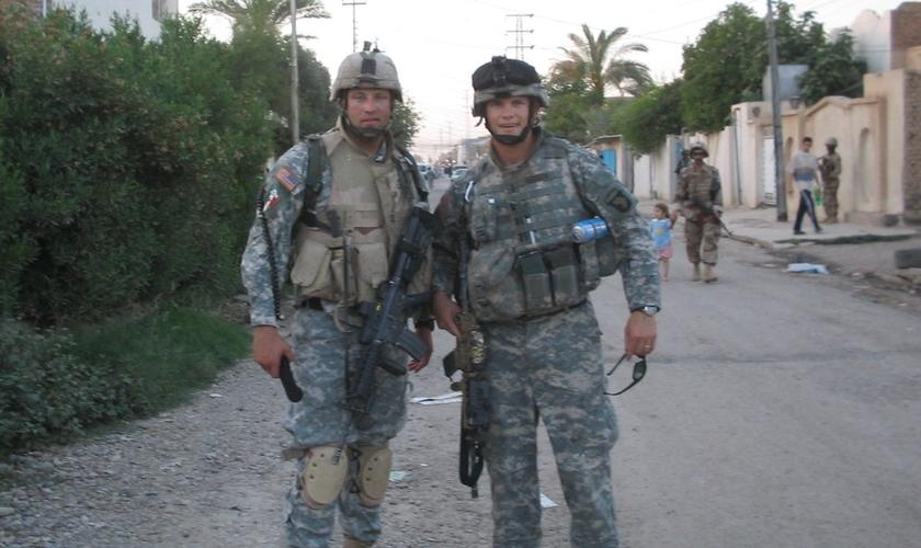 Pete Hegseth em Samarra, no Iraque, em 2006. (Foto: Arquivo pessoal).