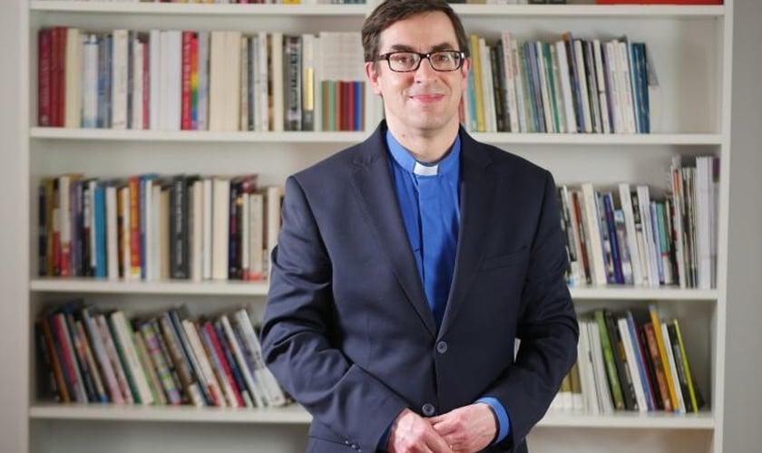 O Rev. Dr. Bernard Randall era capelão da Trent College, na Inglaterra. (Foto: Christian Concern)
