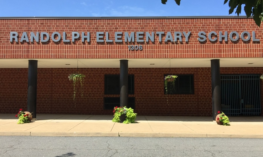 Fachada da Randolph Elementary School. (Foto ilustrativa: Arlington Public Schools)