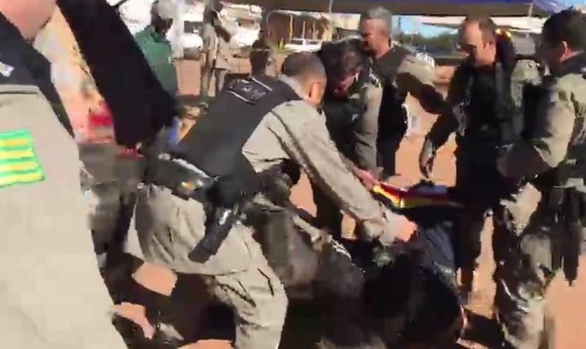 Lázaro é preso em Goiás. (Foto: Henrique Ramos/TV Anhanguera)
