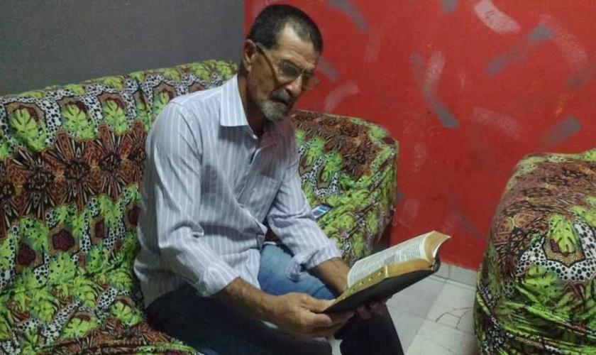 Davinasser de Matos ganhou uma Bíblia na prisão e reencontrou Deus. (Foto: Divulgação).