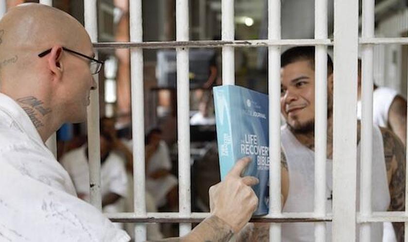 A missão da Prison Fellowship é restaurar as pessoas afetadas pelo crime e pelo encarceramento (Foto: Reprodução / Prison Fellowship)