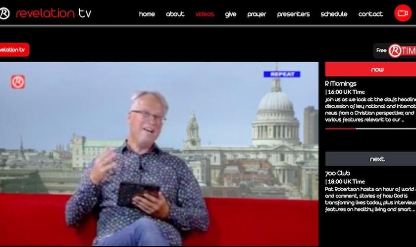 Imagem de transmissão online da Revelation TV. (Foto: Reprodução / Revelation TV)