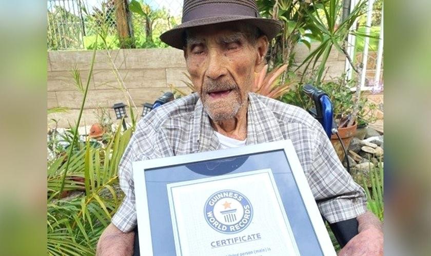 Emilio Flores Márquez, de 112 anos, entrou para o Guinness Book of World Records como a pessoa viva mais velha no mundo.