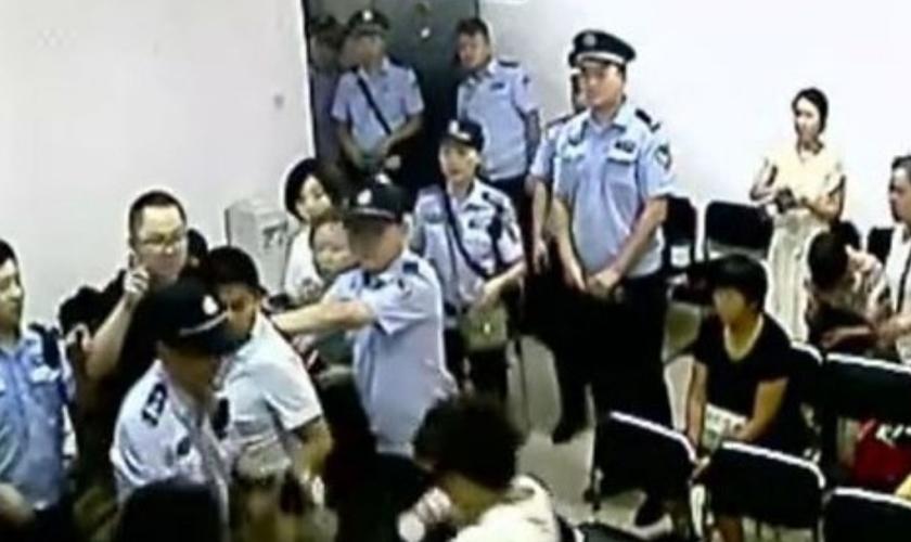 O Partido Comunista Chinês (PCC) cada vez mais está invadindo e fechando igrejas no país. (Foto ilustrativa: Reprodução/BaptistPress)