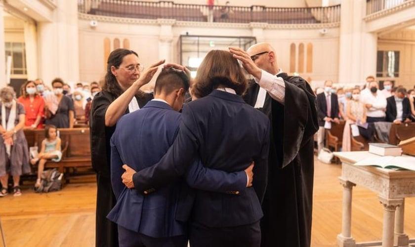 Esta é a primeira união entre pastores do mesmo sexo da maior denominação protestante da França. (Foto: Mathias Fourmand).