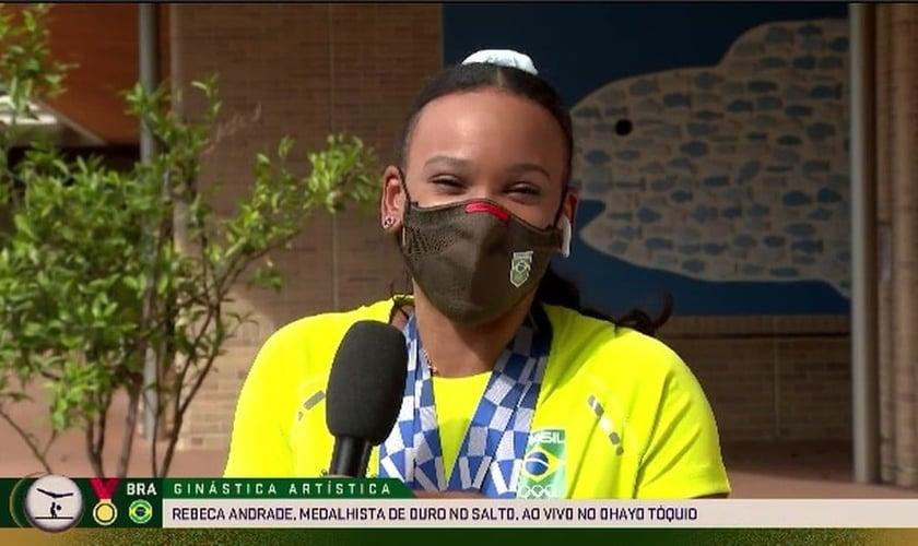Rebeca Andrade em entrevista ao vivo durante participação no Oyaho. (Foto: SporTV)