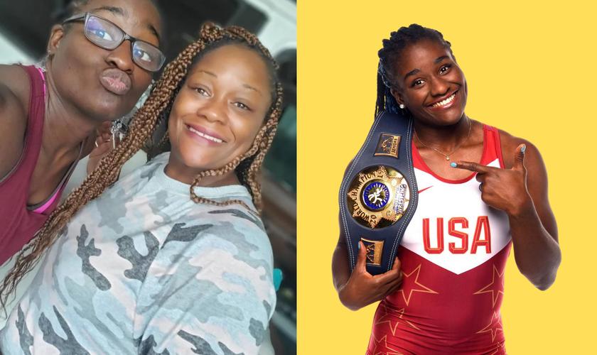 Tamyra Mensak-Stock e sua mãe [à esquerda - Instagram]; na foto da equipe dos EUA um dia antes do início das Olimpíadas. (Foto: Getty Images)