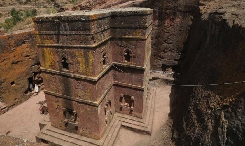 Lalibela é um centro religioso que abriga 11 famosas igrejas escavadas na rocha. (Foto: Sean Gallup/Getty Images)