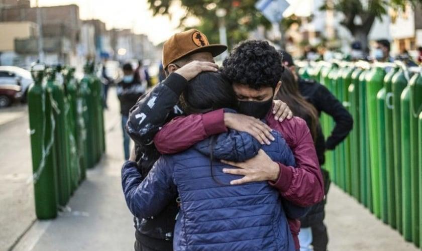 A Igreja Adventista e o governo do DF uniram forças para ajudar órfãos em meio ao trauma da violência. (Foto: Reprodução/Istoé)