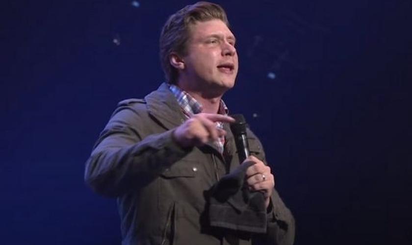Daniel Kolenda em ministração na Austrália. (Foto: Reprodução / YouTube)